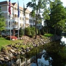The Mill Creek Hotel Lake Geneva in Lake Geneva