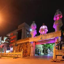 The Mourya Inn in Alampur