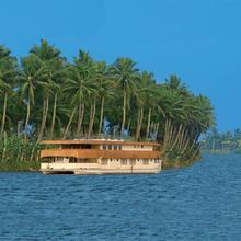 The Oberoi Motor Vessel Vrinda in Alappuzha