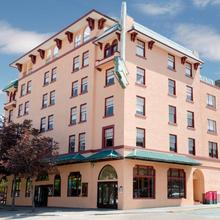 The Plaza Hotel A Trademark Collection By Wyndham in Kamloops