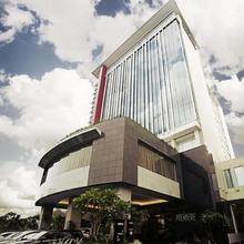 The Premiere Hotel Pekanbaru in Pekanbaru