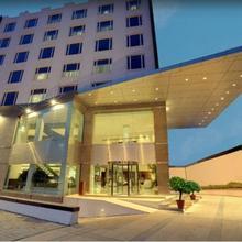 The Pride Hotel, Bangalore in Kulem