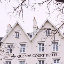 The Queens Court Hotel in Whimple