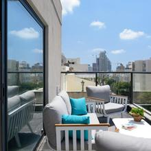 The Roof - By Sea Land Suites in Tel Aviv