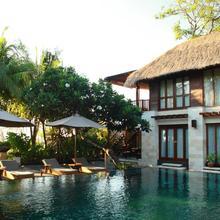 The Sandi Phala Beach Resort And Ma Joly Restaurant in Kuta