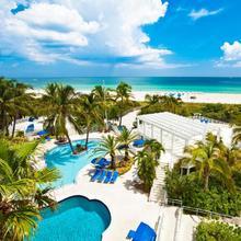 The Savoy Hotel & Beach Club in Miami Beach