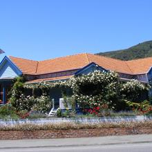 The Villa Backpackers Lodge in Picton