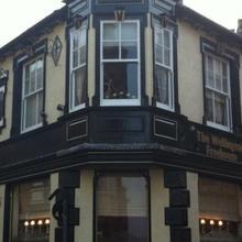 The Wellington Hotel. in Hempstead