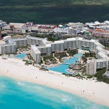 The Westin Lagunamar Ocean Resort Villas & Spa Cancun in Isla Mujeres