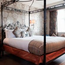 The White Hart Hotel in London