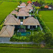 Three Gold Luxury Private Villas & Restaurant in Bali