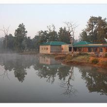 Tiger Lagoon Bandhavgarh National Park in Tala