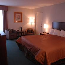 TIMMINS INN AND SUITES in Timmins