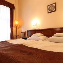 Tisza Hotel in Domaszek