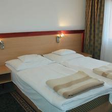 Tisza Sport Hotel in Domaszek