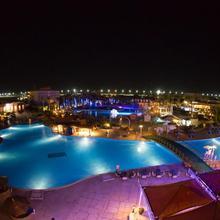 Titanic Aqua Park Resort in Al Ghardaqah
