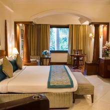 Tivoli Garden Resort Hotel in Dera Mandi