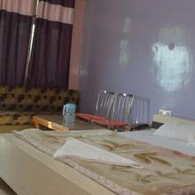Tiwari Hotel & Restaurant in Champawat