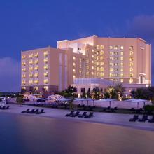 Traders Hotel Qaryat Al Beri Abu Dhabi, By Shangri-la in Abu Dhabi