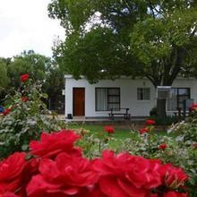 Travalia Guest Farm in Three Sisters