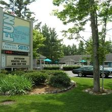 TRAVERSE BAY INN in Traverse City