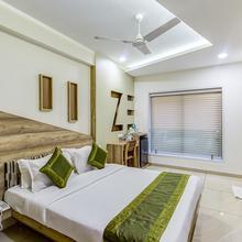 Treebo Daksh Residency in Sinhasa