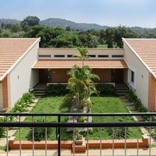Treebo Laa Gardenia Resort in Jolarpettai