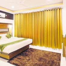 Treebo Palmyra Grand Suite in Punnappira