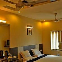 TRIBENI HOTEL in Sambalpur