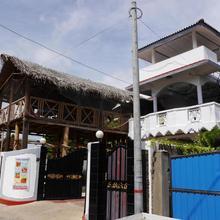 Trinco Hemach Beach Hotel in Trincomalee