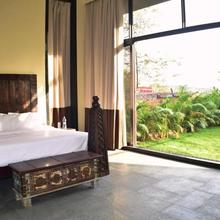 Triose Villa Boutique Rooms in Ambavna
