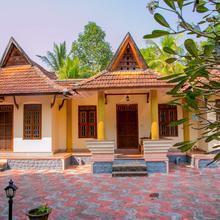 Trium Heritage Villa Chengannur in Talavadi