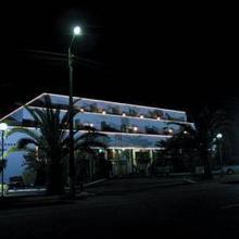 Tropical Promises Hotel in Varziela