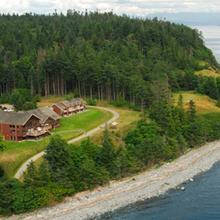 Tsa-Kwa-Luten Lodge in Campbell River