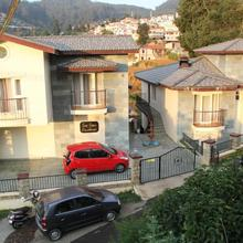 Two Seas Residence in Coonoor