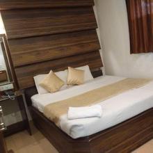 Ur Hotel in Prayagraj