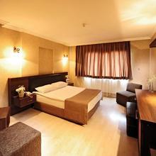Ustun Hotel in Izmir