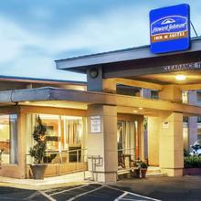 Vallejo Inn & Suites in Vallejo