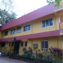 Varad Vinayak Lodge in Mirya