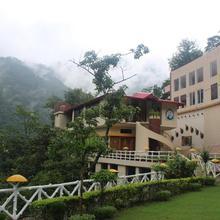 Veda5 Ayurveda & Yoga Retreat in Rishikesh