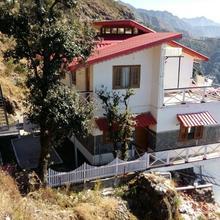 Veenu's Cottage in Dhanaulti