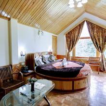 Venus Villa Cottage in Raisan Bagh