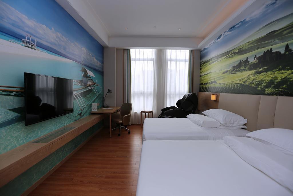 Vienna Best Sleep International Hotel (Shenzhen New Airport Branch) in Shenzhen