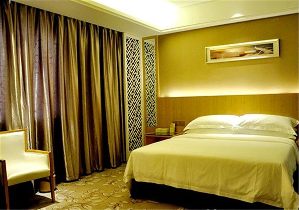 Vienna Hotel Waigaoqiao in Shanghai
