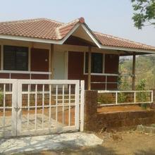 Vile Home Paradise in Kolad