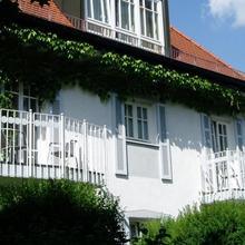 Villa am Schlosspark in Gilching