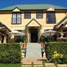 Villa Della Rosa Bed & Breakfast Tamborine in Boyland