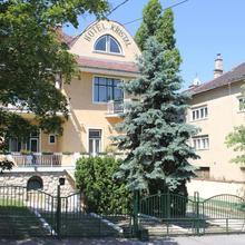 Villa Hotel Kristal in Budapest