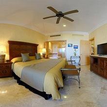 Villa La Estancia Nuevo Vallarta Beach Resort and Spa in Higuera Blanca