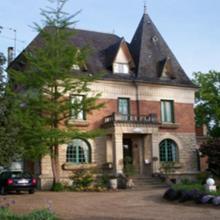 Villa Les Iris in Noailles